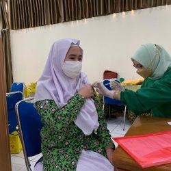 Siswa SMAHA Ikuti Vaksinasi Tahap Pertama